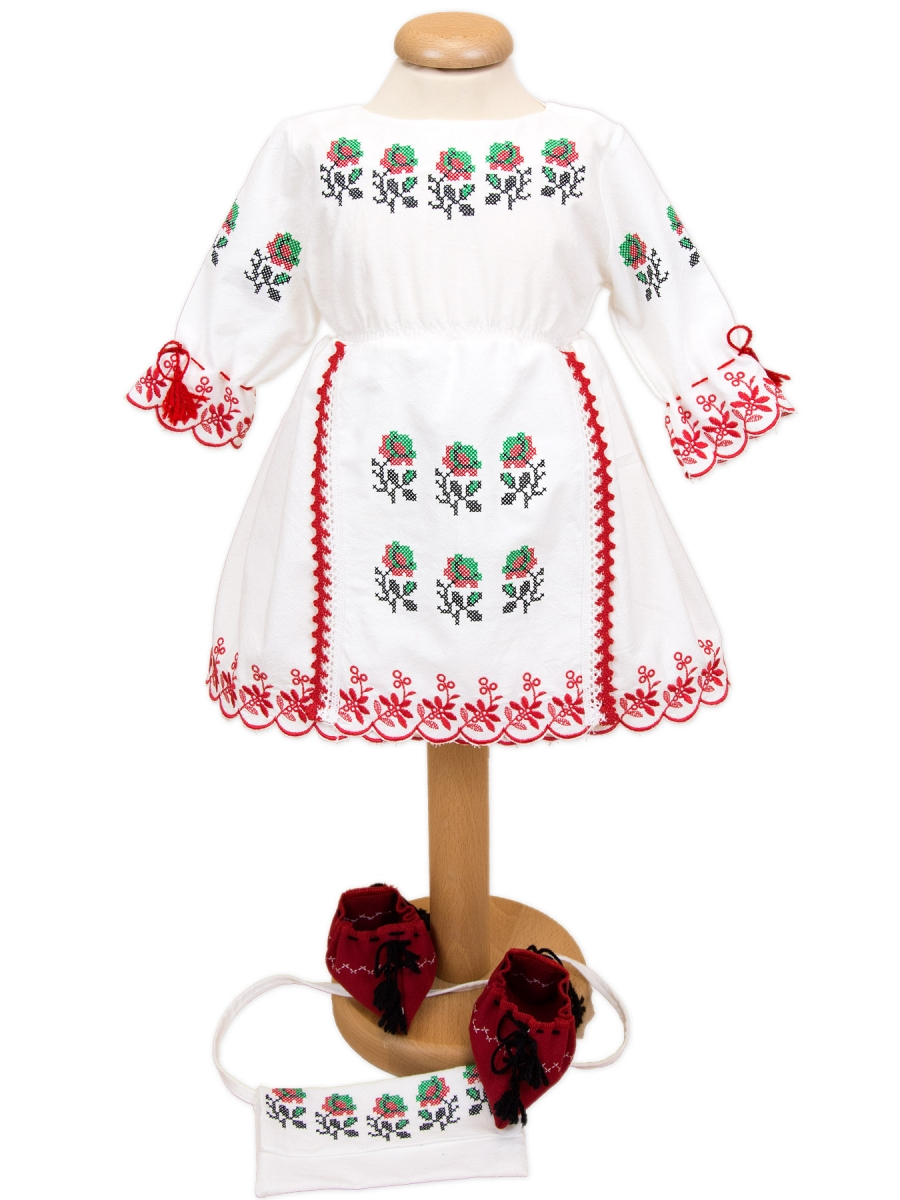 Costum botez fete traditional